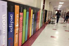 Teachers at Biloxi Junior High in Mississippi are already preparing for the fall.  Teachers Transform Lockers into Book Spines   Mental Floss