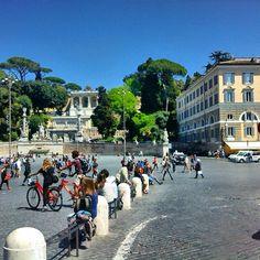 Una giornata qualunque sotto il sole di Roma #piazzadelpopoloroma #mobilephotography