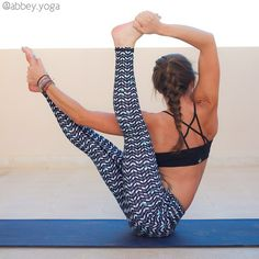 Yoga Poses & Workout : mmm looks like a yummy pose Yoga Flow, Yoga Meditation, Pilates Video, Yoga Photos, Beautiful Yoga, Yoga Benefits, Best Yoga, Looks Cool, Sport