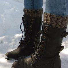 68ed0a4ef1b4e Bas de laine au crochet pour rebords de bottes   Accro aux bottes   Look du  jour