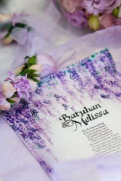 Purple wedding invitation design // Photography by Craven Images #purple #wedding #invitations