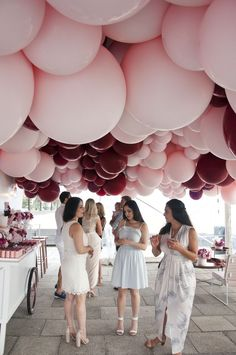 Bridal shower inspiration at its best ❤ pink and burgundy balloons - stunning berry tones Balloon Decorations, Birthday Decorations, Wedding Decorations, Balloon Ideas, Pink Parties, Birthday Parties, Rose Pastel, Festa Party, Balloon Arch