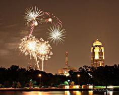 On New Years Eve 2020 in Iowa, visitors and locals alike are sure to be thrilled with the limitless entertainment opportunities the state has to offer New Year's Eve 2019, New Years Eve Fireworks, Des Moines Iowa, Fire Dancer, Fire Works, Sparklers, Seattle Skyline, Dates, Community
