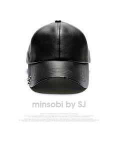 minsobi-urban-classic Cap with pierced earrings ornaments  Zippertravel