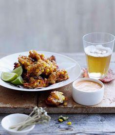 Crab, maïs et menthe beignets au citron-paprika mayonnaise recette :: Gourmet Traveller