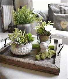 45 Pretty Decorating Ways to Style Your Coffee Table - Decorative Tray - Ideas of Decorative Tray - coffee table centerpieces; table centerpieces for living room; Decoration Plante, Decoration Table, Tray Decor, Coffee Table Centerpieces, Decorating Coffee Tables, Coffee Table Decor Living Room, Dining Room, Dining Table, Coffee Table Styling