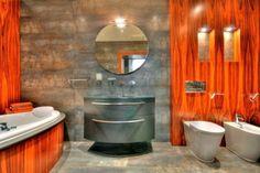 unusual bathroom des