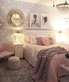 40 very beautiful and comfortable bedroom decor 034 Retro Home Decor, Bedroom Makeover, Home Decor, Bedding Master Bedroom, Apartment Decor, Comfortable Bedroom Decor, Bedroom Decor, Comfortable Bedroom, Girl Bedroom Decor