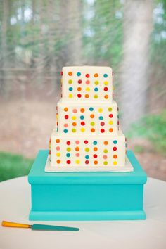 A Kiss of Color -Colorful Weddings