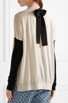 0d2690fd449 Cream and black cashmere Slips on 100% cashmere Dry clean Color Block  Sweater