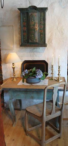 Norwegian Antiques from www.loftet-antikviteter.no