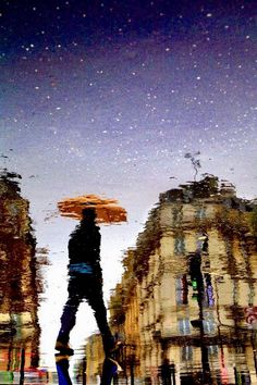 Christophe Jacrot lives and works in Paris. He started his photographic career with Paris sous la pluie (Paris in the rain)€, for which a . Sound Of Rain, Singing In The Rain, Rain Photography, Street Photography, Photography Series, Christophe Jacrot, Pont Paris, I Love Rain, Rain Days
