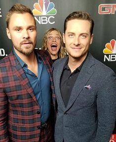 Patrick John Flueger, Jesse Lee Soffer, and Tracy Spiridakos (photobombing of course! Nbc Chicago Pd, Chicago Shows, Chicago Med, Chicago Fire, Jesse Spencer, Jesse Lee, Patrick John Flueger, Tracy Spiridakos, Jason Beghe