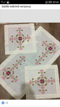 Palacio Bargello, Crewel Embroidery, Elsa, Diy And Crafts, Projects To Try, Cross Stitch, Rugs, Knitting, Handmade