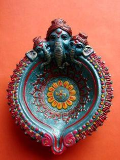 Diwali Diya Decoration Ideas With Beautiful Diya Photos – Posts Hub Diya Decoration Ideas, Diwali Decorations, School Decorations, Festival Decorations, Wedding Decorations, Diwali Diya, Diwali Craft, Diya Photos, Pinterest Home Decor Ideas