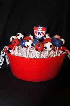 Decorating Cake Pops Uk : 1000+ images about Football / Soccer Cake Pops on ...