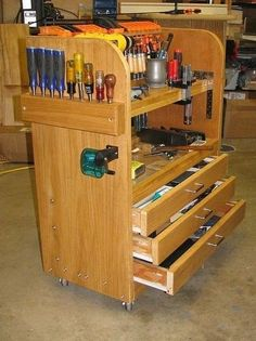 Woodworker's Tool Cart by John Gray -- Homemade woodworker's tool cart intended to provide storage within easy reach of a seated individual. The front features shelves and drawers, while the rear is utilized for clamp storage. Caster-mounted for improved mobility. http://www.homemadetools.net/homemade-woodworker-s-tool-cart