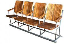 Cette série de sièges de cinéma provient directement d'un cinéma indien, où nous avons récupéré un très grand nombre de rangées de sièges de cinéma. Ces sièges de cinéma sont très élégants, avec une assise et un dossier en teck, de couleur dorée comme le teck naturel. La structure d'ensemble est en métal, mais sans excès. Les sièges sont rabattables. Origine : Inde. Dim. : H89 x L195 x P55 www.narreo.fr