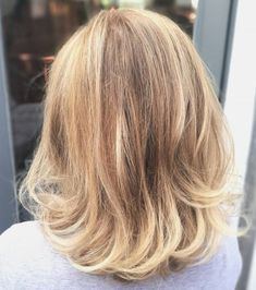 Medium Bronde Hairstyle - u-shaped cut with curled ends Medium Blonde Hair, Medium Hair Cuts, Medium Hair Styles, Long Hair Styles, Haircuts For Fine Hair, Layered Haircuts, Straight Hairstyles, Twist Hairstyles, Pretty Hairstyles