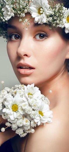 spring.quenalbertini: Spring Girl   Garden of Dreams