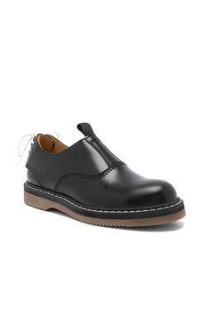 SACAI X Hender Scheme Leather Oxfords. #sacai #shoes #