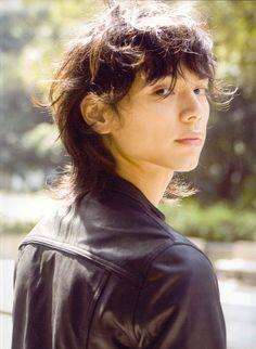 Picture of Hiro Mizushima Asian Mullet, Hiro Mizushima, 3 4 Face, Mullet Hairstyle, Japan Woman, Hot Asian Men, Medium Curly, Japanese Boy, Mullets