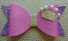 Pink bow with crown Making Hair Bows, Diy Hair Bows, Diy Bow, Bow Hair Clips, Diy Baby Headbands, Diy Headband, Baby Bows, Hair Ribbons, Ribbon Bows