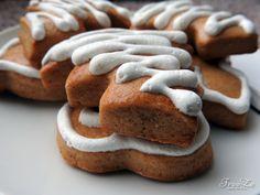 Pro mnohé jsou (měkké) perníčky doslova chutí dětství – a proč si ji nepřipomenout na Vánoce ve speciálním vánočním provedení? :-) Cookies, Food, Crack Crackers, Author, Biscuits, Cookie Recipes, Meals, Cake, Yemek