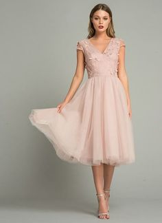 Why does trend tulle turn you into a princess dress? # Wedding guest clothing Why trend tulle can make you a princess dress . Mob Dresses, Blush Dresses, Dance Dresses, Pretty Dresses, Beautiful Dresses, Fashion Dresses, Bridesmaid Dresses, Midi Skater Dress, Floral Midi Dress