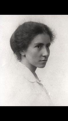 Dorothy Garrod  British Archeologist Cambridge