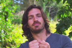 This man studied Psychology, writes Prose/Poetry, Cares about Animals and the Welfare of People and the Planet, has a Body and Face to die for, is IRISH and FUNNY and seems The Sweetest Thing on Earth, Ladies I give you, EOIN MACKEN! <3 him thoroughly!