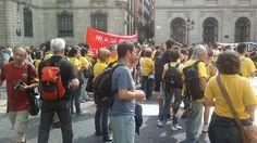 26/09/2012 Pl. Sant Jaume - BCN - Concentració Hats, Fashion, Moda, Hat, Fashion Styles, Fashion Illustrations, Hipster Hat