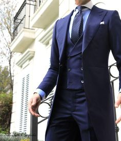 mode | fashion | man | blauw Like, Comment, Repin !! nice three piece suit, double breasted