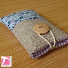 Padded iPhone 4 sleeve / iPod case / cell phone by TeresaNogueira, €11.00