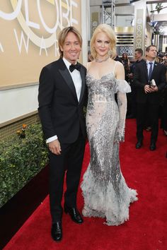 Award-winning style: Nicole Kidman works the Golden Globes red carpet in the NUNAKED. #inourshoes
