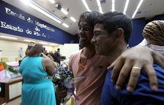O Tribunal de Justiça do Rio promoveu neste domingo, 9, uma cerimônia coletiva para reconhecer judicialmente a união estável entre pessoas do mesmo sex