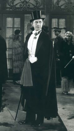 Lugosi Dracula, Bram Stoker's Dracula, Classic Horror Movies, Classic Films, House Made Of Dawn, Halloween Photography, Famous Monsters, Male Fashion, Werewolf