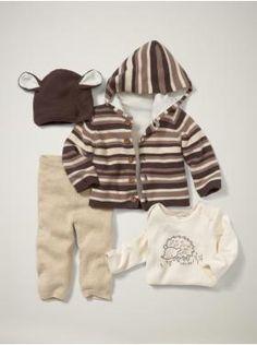 @Shanyn Claycomb...saw this in the store....sooooooooo soft!!!!!  Where's your baby?