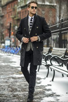 Vintage coat | Reiss cardigan | Express knit tie | ZARA suede boots | Details at http://iamgalla.com/2015/01/first-snow/ men's fashion and style.