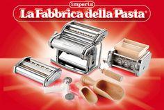 Imperia nella confezione multipla La Fabbrica della Pasta: Imperia, 4 tagli, Ravioli Maker, 2 sassole.