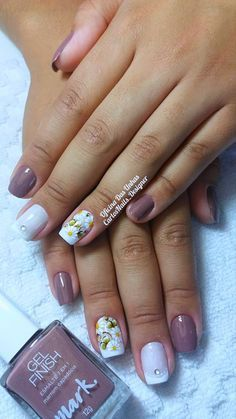 Finger, Nail Studio, Diy Entertainment Center, Nail Technician, Manicure And Pedicure, Fun Nails, Simple Designs, Hair And Nails, Nail Art Designs