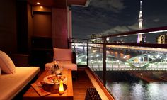 12 Best Rooftop Bars for a Romantic Date in Tokyo Romantic Destinations, Romantic Vacations, Romantic Travel, Dream Dates, Best Rooftop Bars, Skyline, Romantic Dates, Japan Travel, Japan Trip