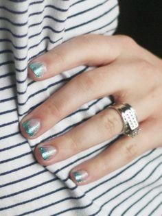 Gradient glitter gel nails tutorial.