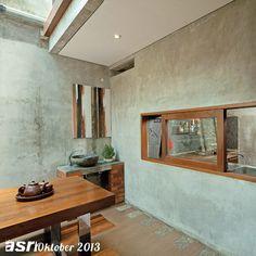Hubungan ruang antara area makan dan dapur. Desain ruang makan menghadirkan sensasi makan di ruang terbuka melalui aplikasi atap skylight.