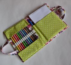 Sewing Clothes Patterns Craft and Crayon Case pattern - Hold all kinds of creative supplies — colored pencils, sketch pads and more with these organizer sewing patterns that will stretch your sewing skills! Bag Sewing, Sewing Art, Sewing Clothes, Sewing Crafts, Sewing Patterns, Clothes Patterns, Dress Sewing, Stitching Patterns, Skirt Patterns