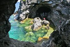 Grotto in Bruce Peninsula National Park 3 hour drive. Nearby Fathom Five Ship Wrecks, Flower Pot island and The Grotto Tobermory Ontario, Big Bucket, Lake Huron, Canada Travel, Places To See, North America, Caribbean, Toronto, Travel Destinations