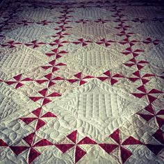 Love the quilting & the simplicity of just two colors.