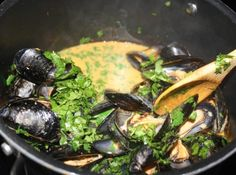 Spicy Thai Mussels Curry Sauce