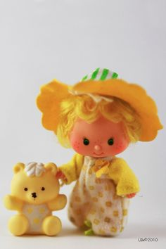 [KENNER] Strawberry Shortcake Doll Butter Cookie with Jelly Bear.