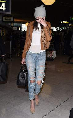 daily—celebs:  1/27/15-Kendall Jenner at Charles de Gaulle Airport in Paris.